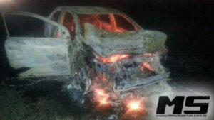 Carro em chamas