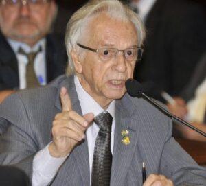 Senador Itamar Franco (PPS-MG) durante reunião da Comissão de Reforma Política (Foto: José Varella / Agência Senado)
