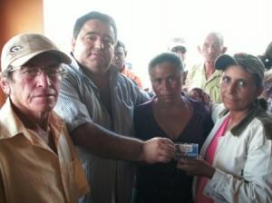 Ex-Vereador Antônio Branco, prefeito Bel e beneficiárias